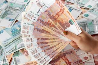 Мама - начальница, дочь - кадровик: в Татарстане чиновницы по делам молодежи нагрели руки на подростковых клубах
