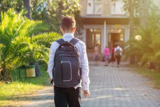 В Елабуге - 1 сентября, в Казани - 2-го: чиновники и родители не сошлись во мнениях, когда детям лучше идти в школу