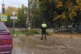 «Мужик пошел против системы»: в Татарстане народ пожалел стойкого гаишника, которого начальство бессрочно отправило на пеший пост