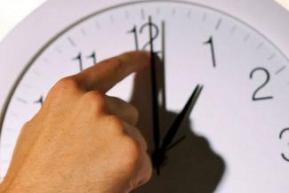 «У нас нет ни одного дня в году, когда солнце садилось бы после 9 вечера!»: в Татарстане вновь закипают страсти из-за «неправильного» времени