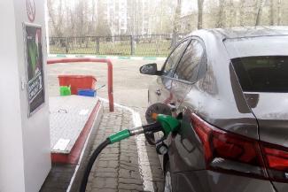 «Хорошо, если не подорожает!»: автомобилисты в Казани даже не мечтают о дешевом бензине
