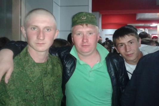 Алексей Михайлов - крайний слева