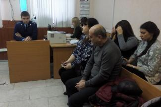 Погорельцы казанского ТЦ «Адмирал» заедали горе ворованным шоколадом из «Ашана»
