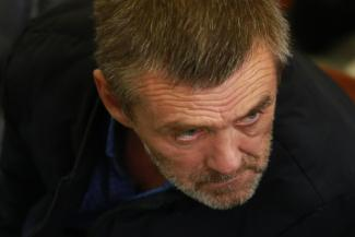 Водитель казанского автобуса, насмерть забивший 9-месячную дочь кондукторши, пустил слезу в суде