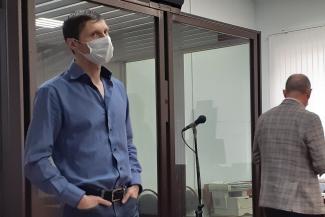 Заносил миллионами: в Татарстане адвокат сдал ВИП-следователя