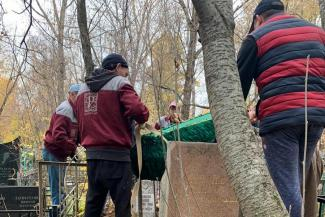 «Если ковида нет, с какой стати упаковали?»: родственники умершей пациентки казанской больницы возмущены, что им выдали тело в закрытом гробу