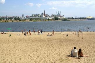«Чтобы можно было купаться»: правый берег Казанки обещают не заковывать в бетон, как Кремлевскую набережную