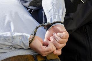 Казанского адвоката и борца с коррупцией взяли в ресторане с мечеными 1,5 млн рублей
