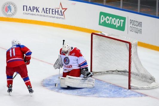 Капитан «Казанских драконов»: «Минниханов в хоккее посильнее Путина будет»