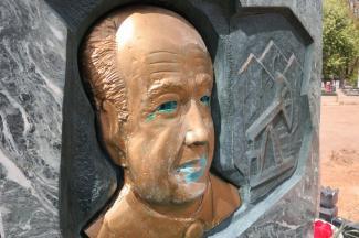 Казанцы зря испугались за могилу легендарного премьер-министра на Арском кладбище?