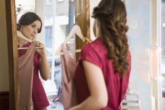 «А девочки уже платья приготовили»: казанским школам придется проводить выпускные в онлайне, а на детсадовские не пустят родителей