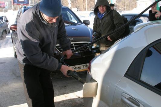 Бензина хватает. Но не всем