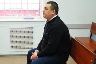 В Татарстане директора школы, где массово слегли ученики, лишили зарплаты и посадили на пособие