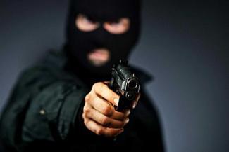 В Казани разбойники, грабившие ювелирные магазины, устраивали сходняки на территории школы