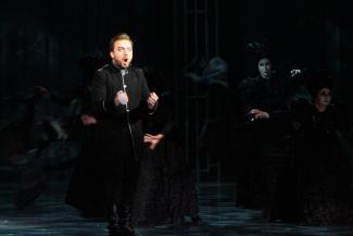 Гром, молнии и буря аплодисментов на открытии Шаляпинского в Казани