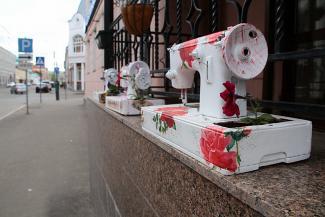 И себе, и людям: как рекламный креатив украшает Казань