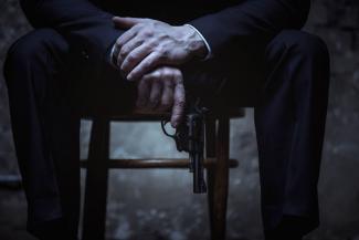 Врешь, не уйдешь!.. В Татарстане судебный пристав разбил должнику голову пистолетом