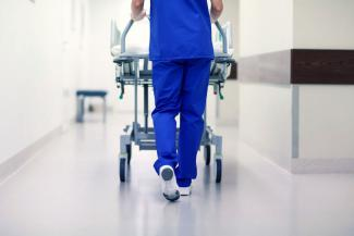 «Таким в медицине не место!»: в Татарстане сын умершего в больнице пациента добивается наказания врачей, но боится, что накажут не тех