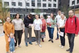 «Нам что, тоже придется с детьми на колени вставать?»: обитателей нового ЖК в Казани оставили без обещанного детсада