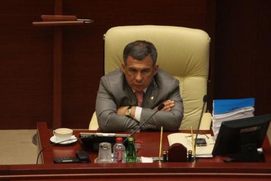 Президент показал министрам желтые карточки