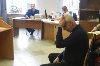 «Не понимаю, как она могла там оказаться!»: в Казани директор стройфирмы, делавшей ремонт в колледже, не признает вину в гибели преподавательницы при падении с 14-метровой высоты
