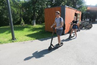 «Электросамокат - самый хайп!»: пешеходы в Казани не поделят тротуары с самокатчиками