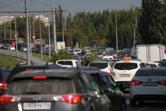 «В двух минутах от Казани»: владельцы коттеджей и обитатели новых ЖК попадают в транспортный ад