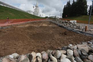 Булыжники, выдранные из мостовой у Казанского кремля, вернут на место к августу