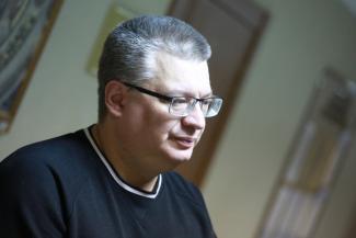 «Допустим, вандалы разгромили, но почему мой сын крайний?»: отец мальчика-инвалида требует у властей Казани доступных переходов
