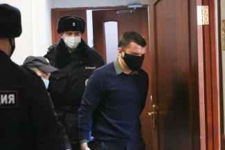 «Хотел получить с него денег»: в Казани судят бывшего полицейского, который пытался нажиться на наркоторговце