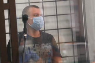«Спрашивали, чего хочу - вертолет, деньги, наркотики…»: казанский дебошир, который запустил в жену телевизором, возмущается, что его сделали героем боевика с захватом заложников