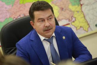 «Я лично туда ездил, прошел в красную зону»: Марат Садыков опроверг слухи об аховой ситуации в госпиталях Набережных Челнов