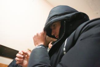 «Скажу прямо, деньги поманили»: в Казани у гаишника нашли почти килограмм наркотиков