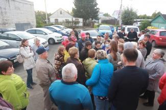«Напокупали машин, а на стоянку денег жалко?»: казанцы, попавшие в программу «Наш двор», ссорятся из-за парковок