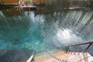 «Меня скоро вся Казань возненавидит, но в Голубых озерах купаться нельзя»: известный эколог требует закрыть доступ к уникальным водоемам