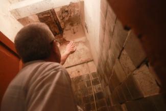 «Пусть бы мэр пожил тут у нас с недельку!»: обитатели непригодной для жилья казанской трехэтажки проведут в ней ближайшую пятилетку?
