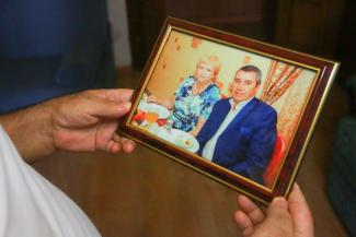 «Сначала искали каталку, потом оказалось, что не работает лифт...»: казанец, жена которого умерла в «красной зоне», уверен, что ее убил не ковид, а бардак в больнице