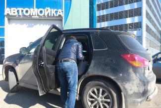 «Сколько ни мой, а чистая не будет»: казанские автовладельцы осерчали на мэра, пристыдившего их за немытые машины