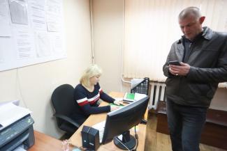 Обыск, допросы, автоматчики: в Казани полиция ищет призрак ОПГ в конторе у коммунальщиков