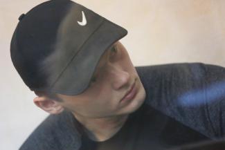 В Казани омоновец, который сбросил студентку с 6-го этажа, извинился перед ее родителями, но не признал вину