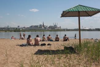 «И это называется городской пляж?»: изнывающие от жары казанцы требуют от властей обустроить места для купания