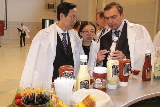 Благодаря ГК «Нэфис» китайцы научатся есть майонез и кетчуп