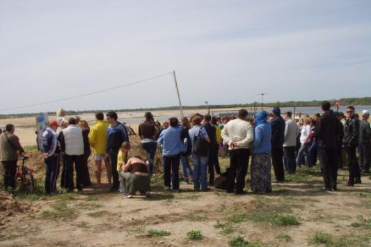 Полиция в Октябрьском пыталась сорвать пикет защитников Волги