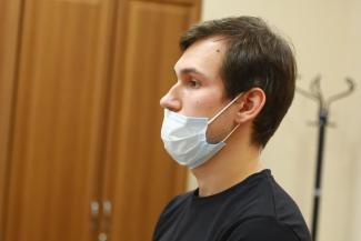 Пытался выбраться до последнего: в Казани судят водителя «Газели»-водовоза, сбившего насмерть студента на тротуаре
