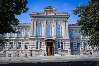 «Это же настоящий оперный театр!»: в Кировском районе Казани появился свой очаг культуры