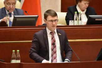 «Хватит кошмарить автомобилистов!»: депутат-коммунист воюет против принятия в Татарстане нового «дорожно-парковочного» закона