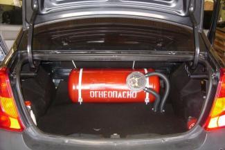 Кругом засада: решив отказаться от дорогого бензина, казанские автомобилисты столкнулись с дефицитом газовых баллонов