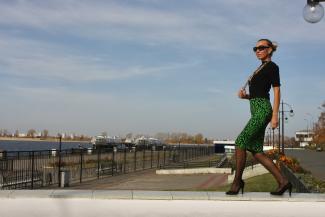 В худи - на люди?.. Казанский стилист призывает дам снять штаны с начесом и забыть о джинсах