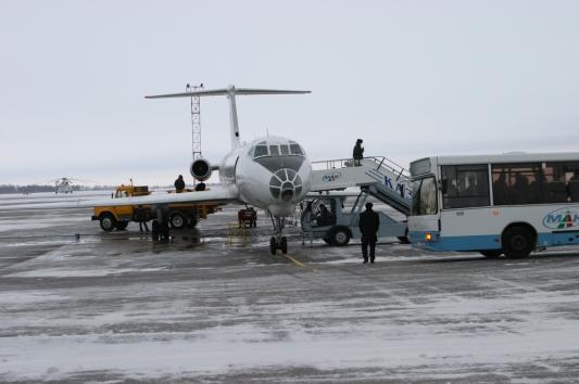 Bombardier выкатился за полосу безопасности