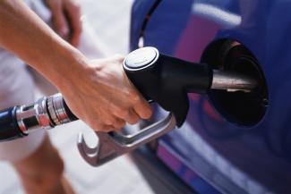 На фоне резкого подорожания бензина казанских автомобилистов призывают переходить на газ